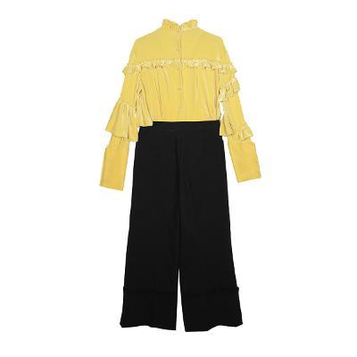 velvet ruffle t-shirt & bottom detailed slacks